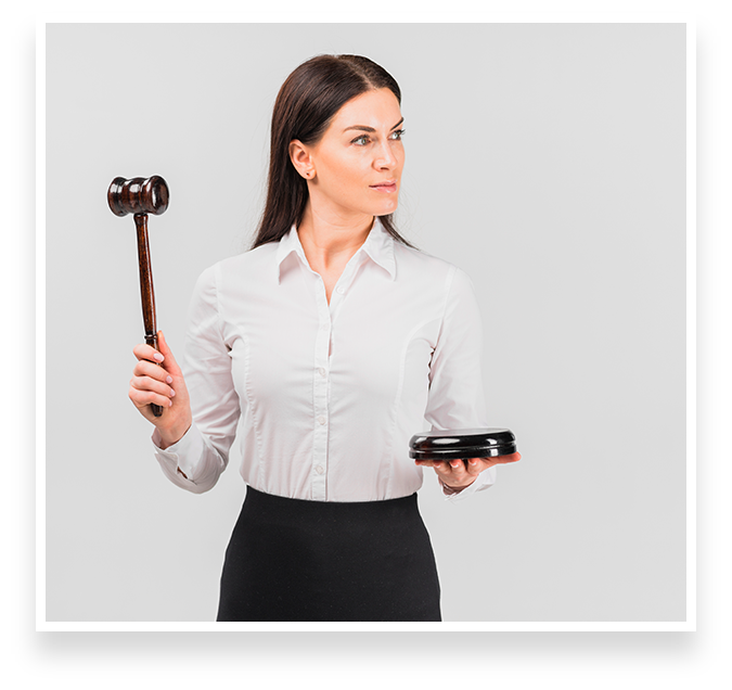 WHEN TO HIRE A PROPERTY LAWYER